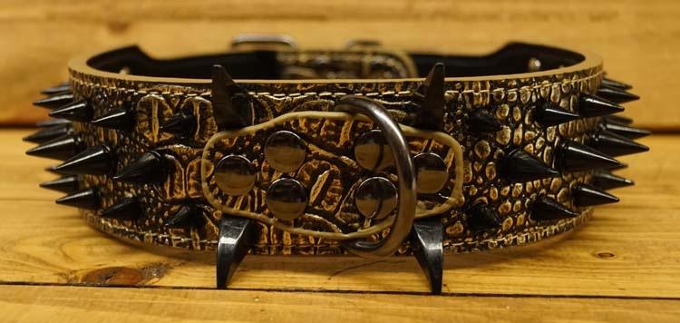 Hondenhalsband bruin / goudkleurig met spikes en klauwen