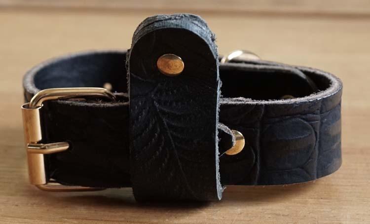 "Leren hondenhalsband  "" Figuur ""  zwart"