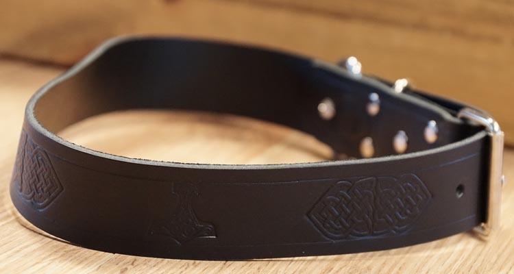 """Leren hondenhalsband  """" Keltische knopen + Hamer van Thor """""""