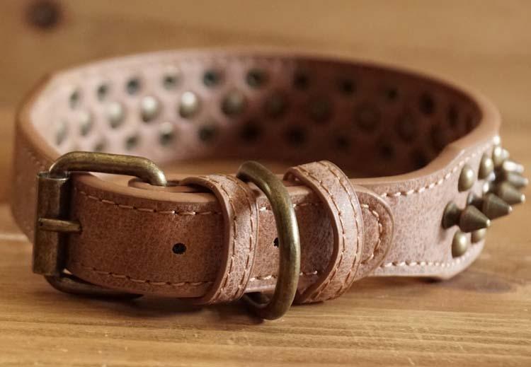 Leren hondenhalsband bruin met studs