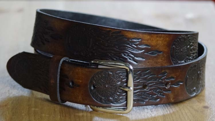 """Western riem  """" Live to ride  """"  Donker bruin"""